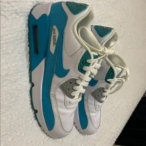 Size 4 youth Nike air sneakers
